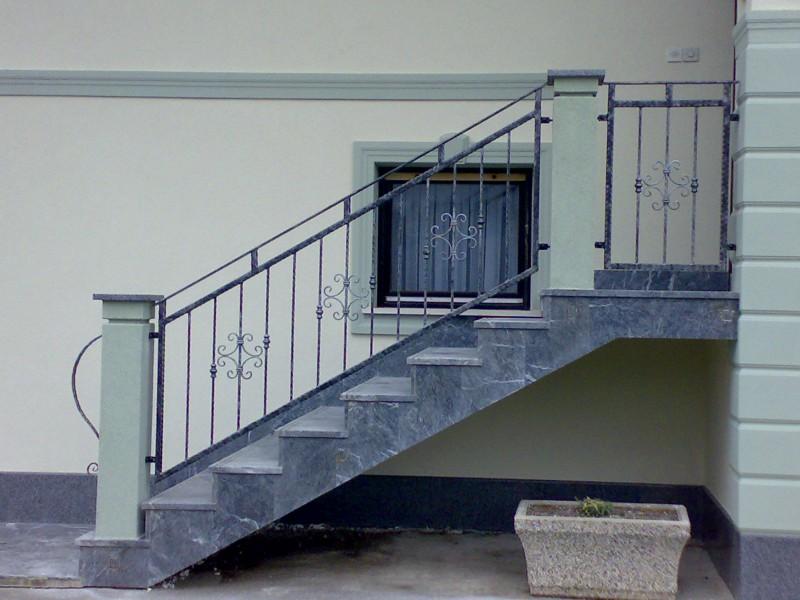 Stopniščne ograje